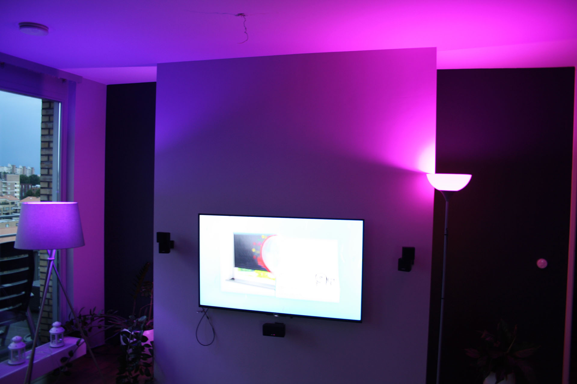 verlichting in kleur philips hue domotica center. Black Bedroom Furniture Sets. Home Design Ideas
