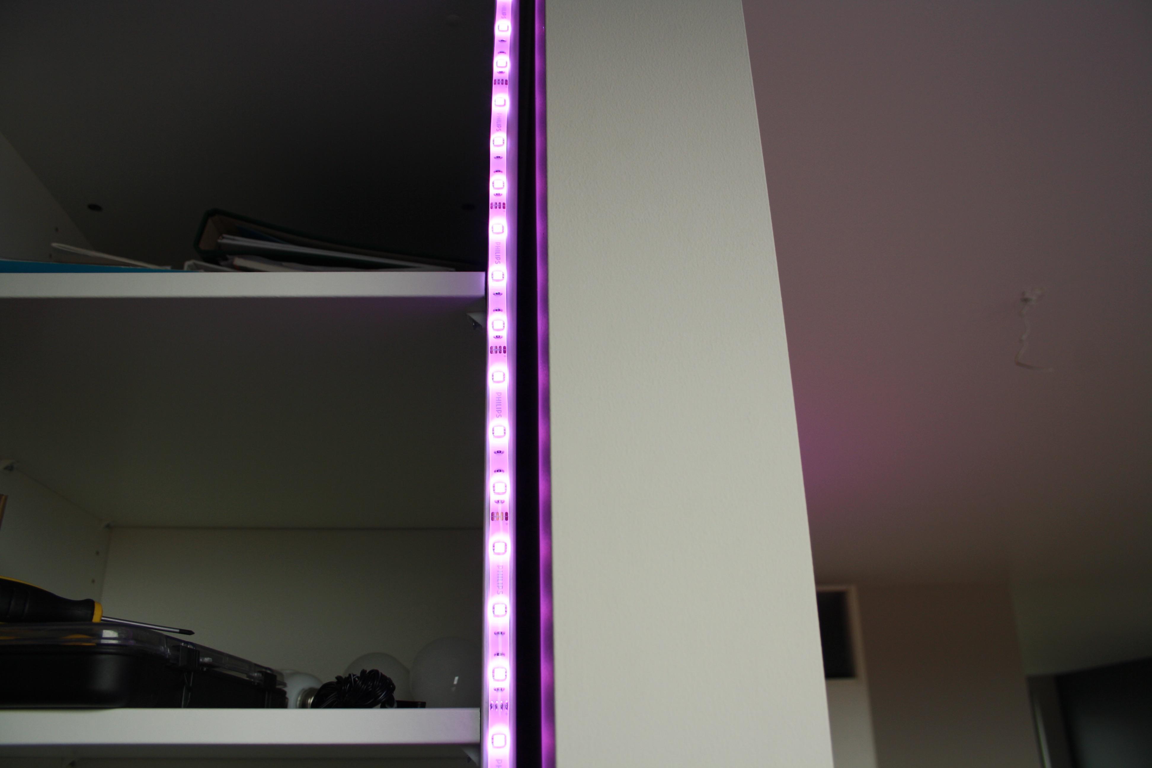 verlichting in kleur philips hue domotica center. Black Bedroom Furniture Sets. Home Design Ideas